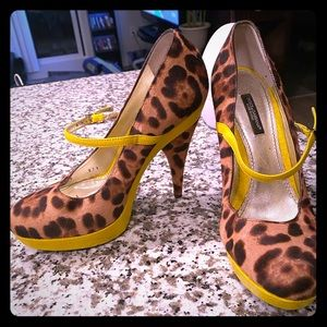 Authentic Dolce & Gabbana Mary Jane Pumps *RARE*